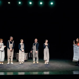 04-vilniaus-keistuoliu-teatras-bambeklis-bajoras-10_1616273193-02de4dacb6d0d96e7c1407449eeaaa50.jpg