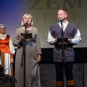 21-xxxv-lietuvos-profesionaliu-teatru-festivalis-vaidiname-zemdirbiams-teatras-kaip-duona-_uzdarymo-ceremonija-11_1616273208-6ddad39efa594a678b840daaa96fb2d8.jpg