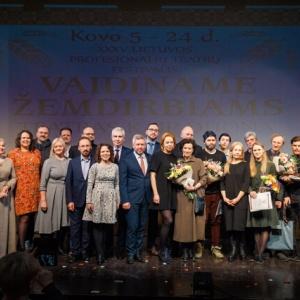 21-xxxv-lietuvos-profesionaliu-teatru-festivalis-vaidiname-zemdirbiams-teatras-kaip-duona-_uzdarymo-ceremonija-20_1616273209-a7d709a8cbf0d8ce2a58de1237988086.jpg